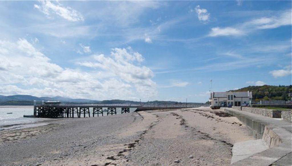 Beaumaris Pier Gallery Image 5